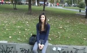 imagen Queda con una jovencita para follar en el parque
